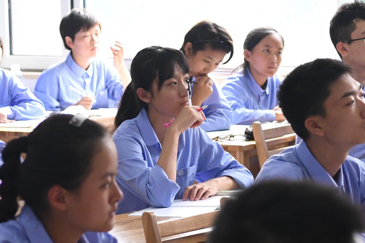 """开学第一天! 济南""""学霸们""""上课时的表情包是这样的"""