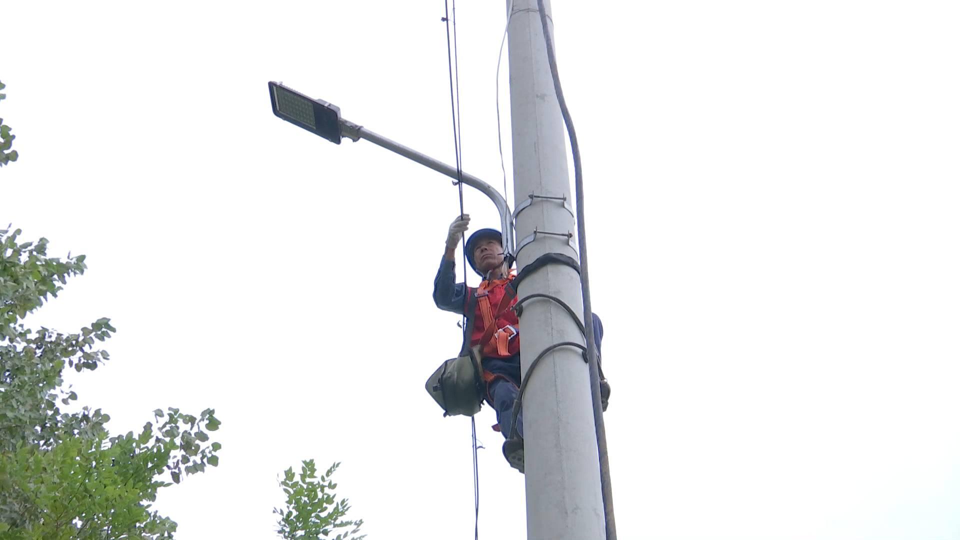 【抗灾救灾在行动】灾区供电全部恢复 基础设施恢复重建有序进行
