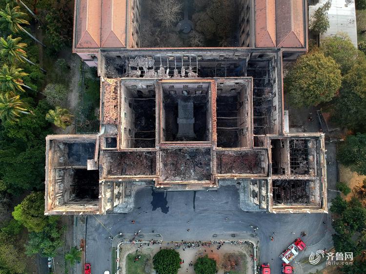 200岁巴西国家博物馆大火:千万件馆藏灰飞烟灭 无价之宝Luzia遭焚毁