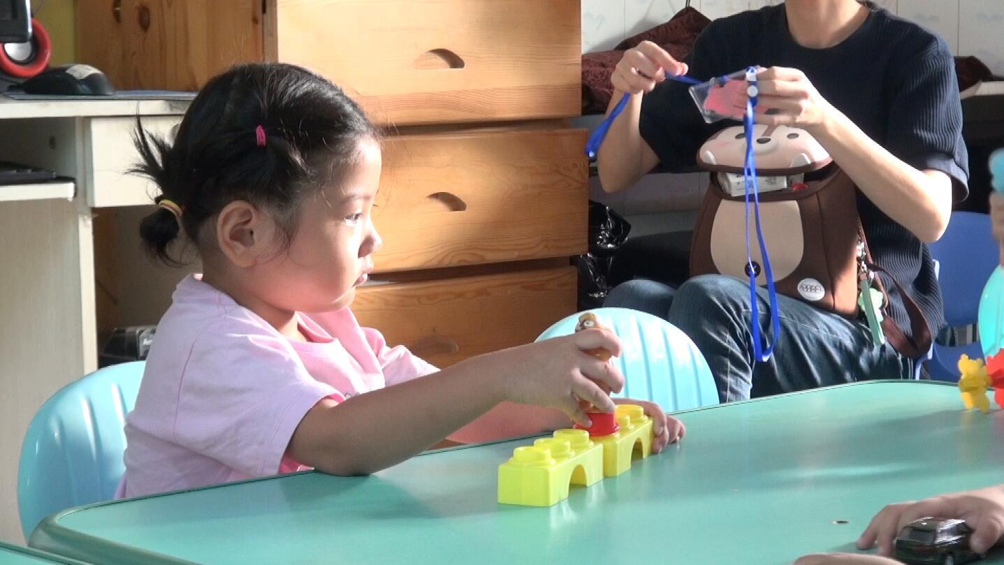 57秒|三岁萌娃开学第一课该怎么上 听听家长怎么说
