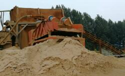 洗沙厂夜洗千吨,一捻就碎的麻刚沙被加工后做了混凝土