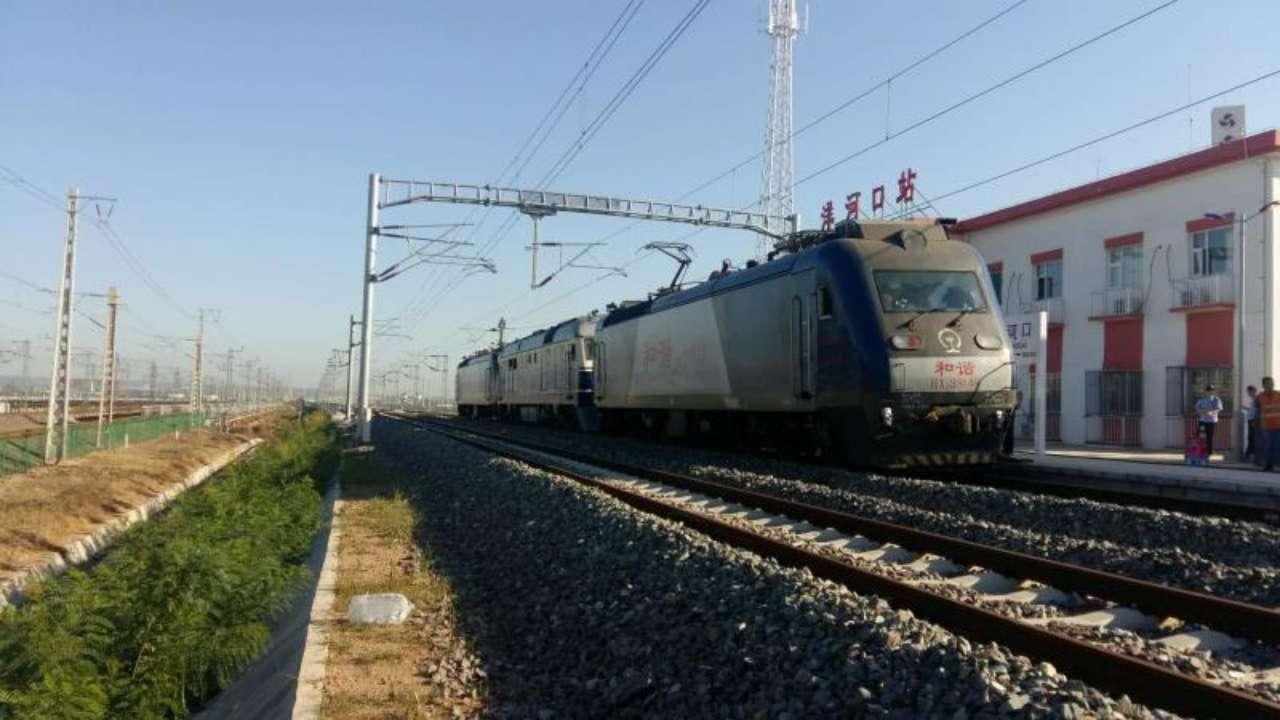 ?青连铁路接触网热滑顺利完成 11日将进行联调联试