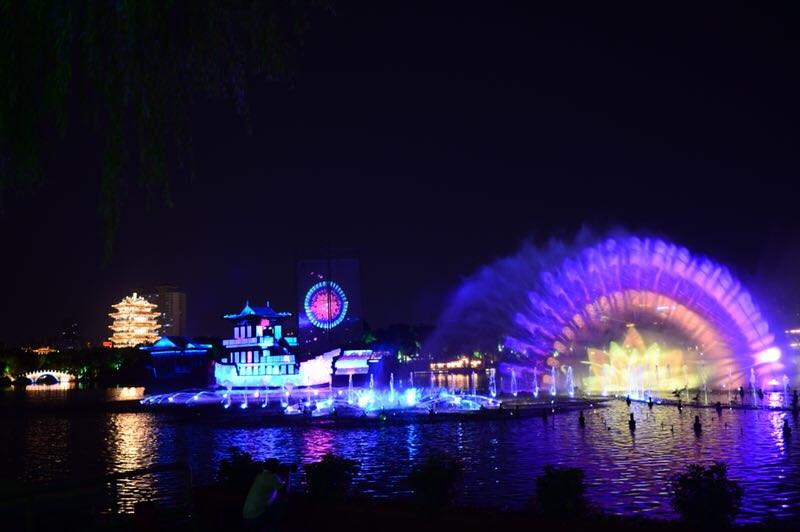 """济南""""泉城夜宴•明湖秀""""惊艳全国网络媒体 记者们大呼过瘾"""