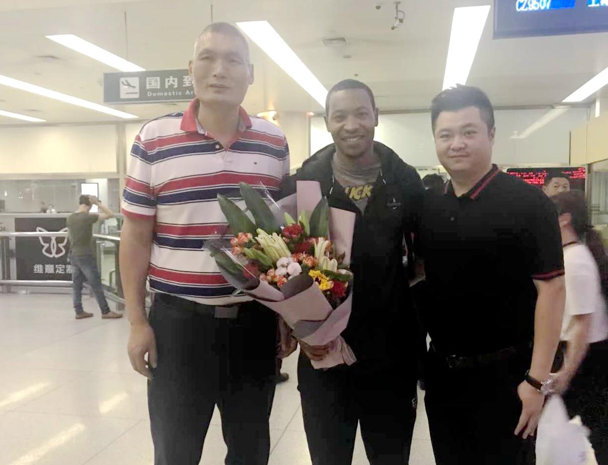 古德洛克抵达济南 山东确认张庆鹏出征澳门参赛