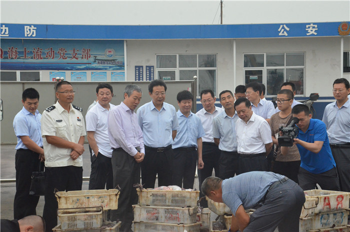 山东省海洋与渔业厅到日照出海检查渔业安全生产