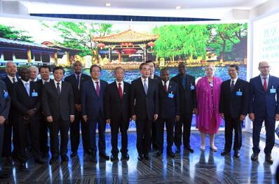 """都是""""蓝朋友"""",听俄罗斯、韩国、赞比亚大使聊聊咱山东"""