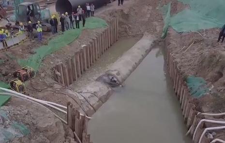 80秒航拍探访济南东城供水施工 15万人受停水降压影响