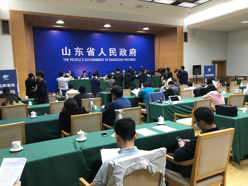 儒商大会2018建立高层人才供需库 组建起新闻中心