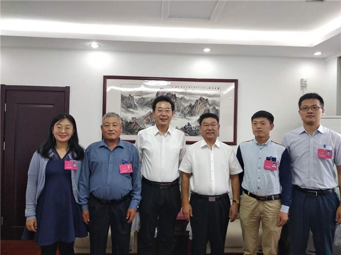 日照市民代表首次列席市政府常务会议