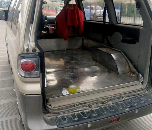 莘县:面包车私自改装 被高速交警依法查处