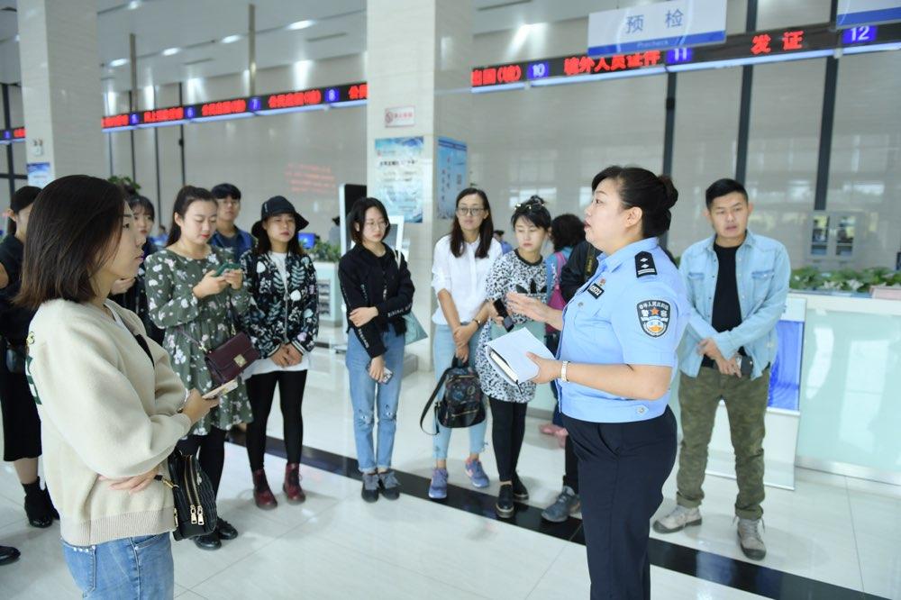 """淄博:打造""""六化""""便民服务体系 助推出入境证件""""一次办好"""""""