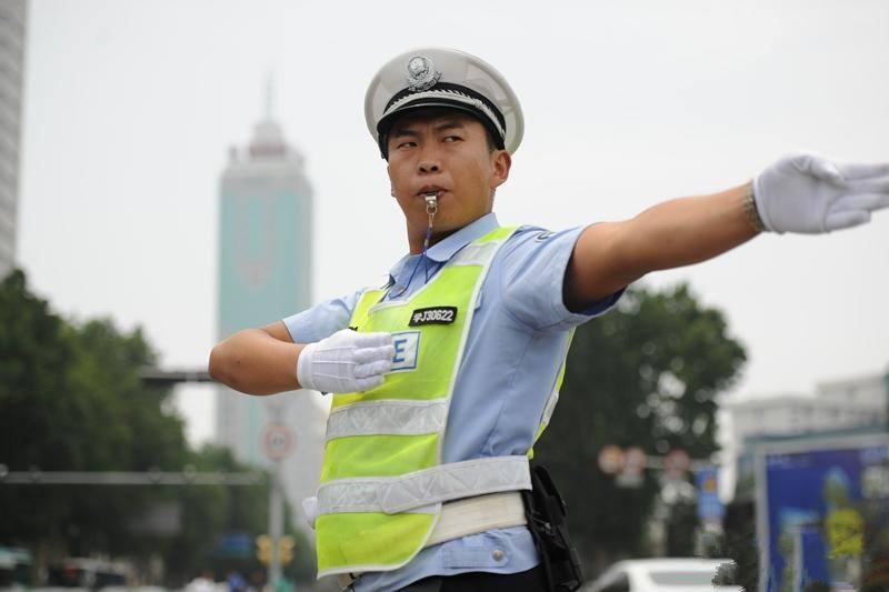 """济南将启动""""空警2018-9号""""行动  严查加塞乱变道等乱象"""