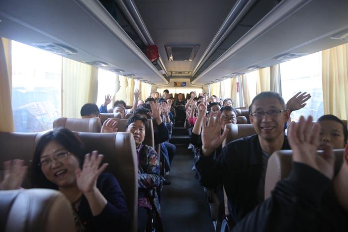 国庆假期第三天济南汽车站迎中短途出行热 近郊游备受青睐