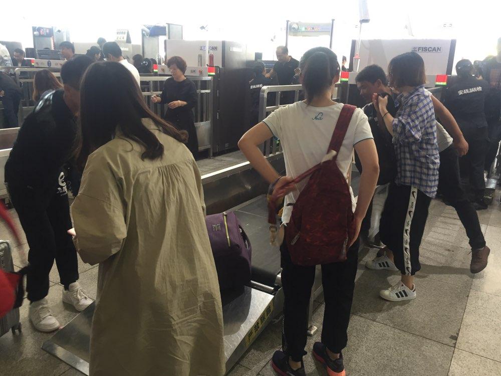 """十一出行的""""马大哈"""":那些遗落在车站的行李"""
