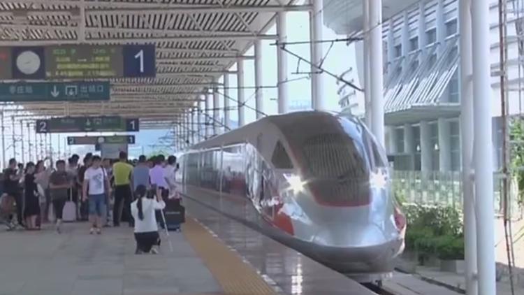 国庆出行丨山东迎返程客流高峰 热点方向火车票售罄高速车流量大