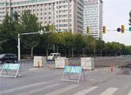 潍坊东方路两个路口因施工临时调整交通组织