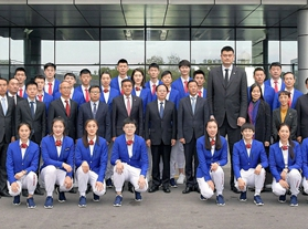 中国男女篮抵达朝鲜访问 朱荣振现身12日归队训练