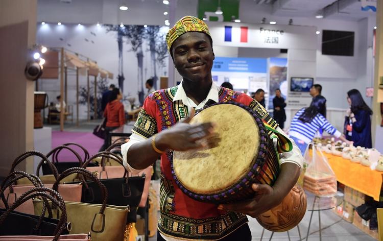 加纳小伙来华6年精通普通话:愿做中非贸易使者