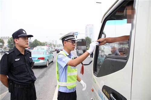 淄博交警利用缉查布控 严查各类交通违法行为