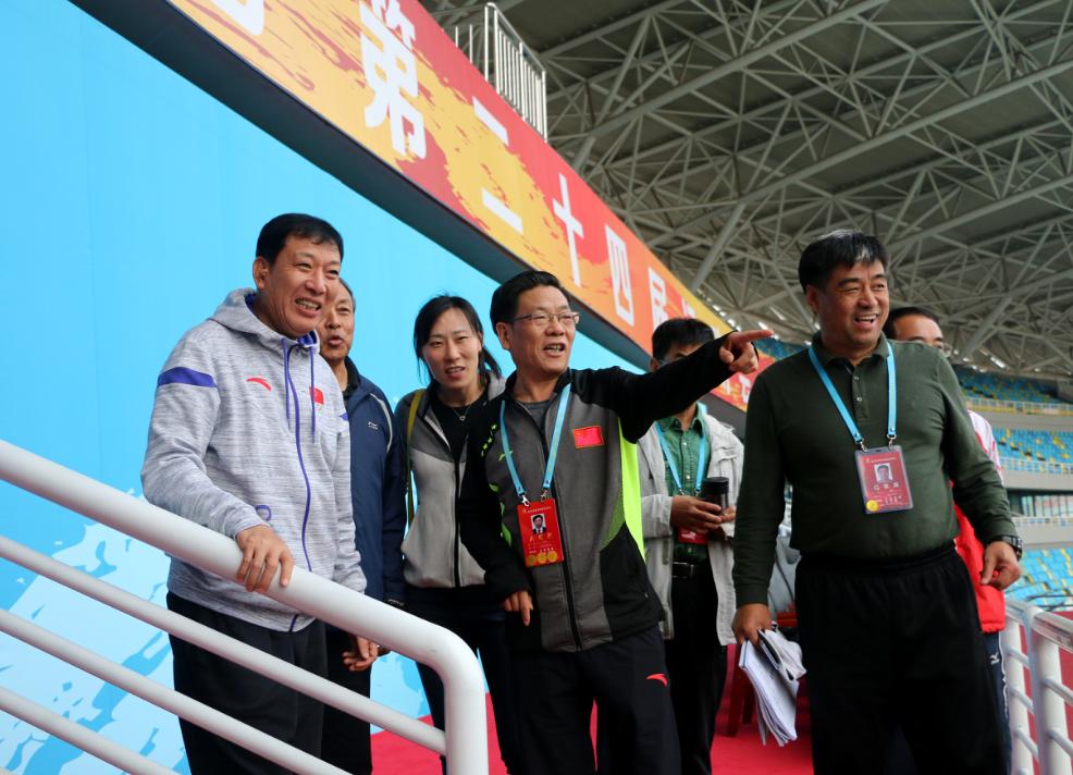 省体育局局长李政到省运会各场馆观战赛事