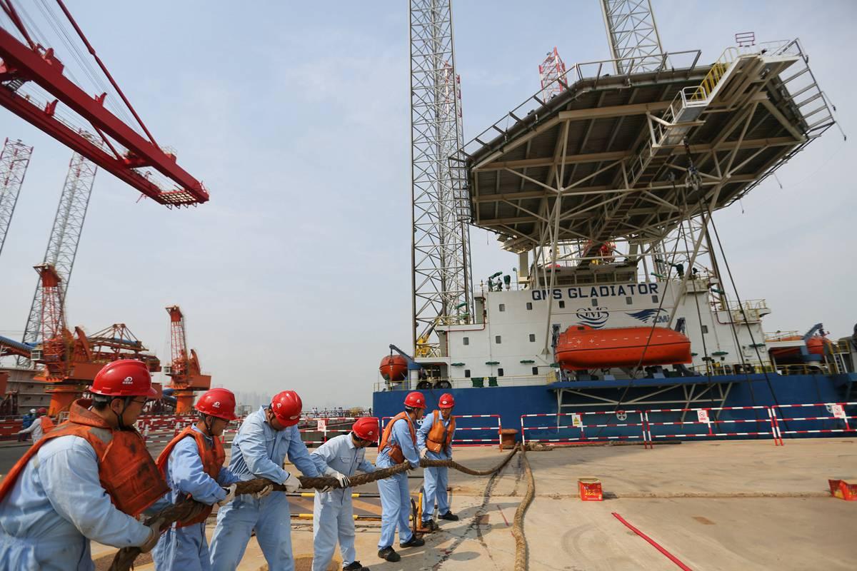 青岛制造海上修井、采油等多功能自升式海工平台出口阿联酋