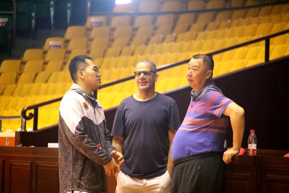 吴庆龙透露山东男篮目标  感言如果小丁回来也打团队篮球