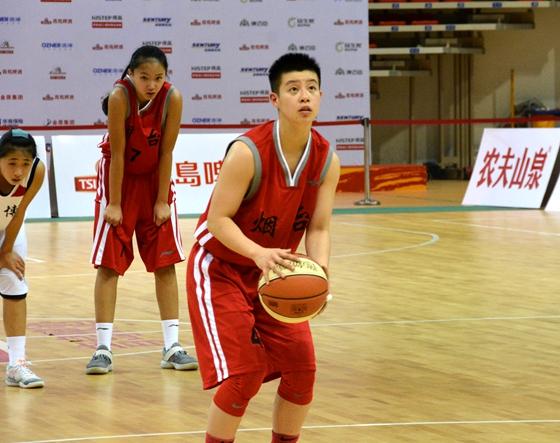 """跃动齐鲁看省运·小赛场上的女篮""""大明星"""" 中国女篮最年轻国手李缘参赛"""