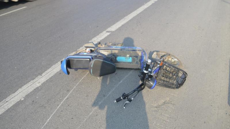 52秒 | 男子驾车故意撞人 竟是为见前女友一面