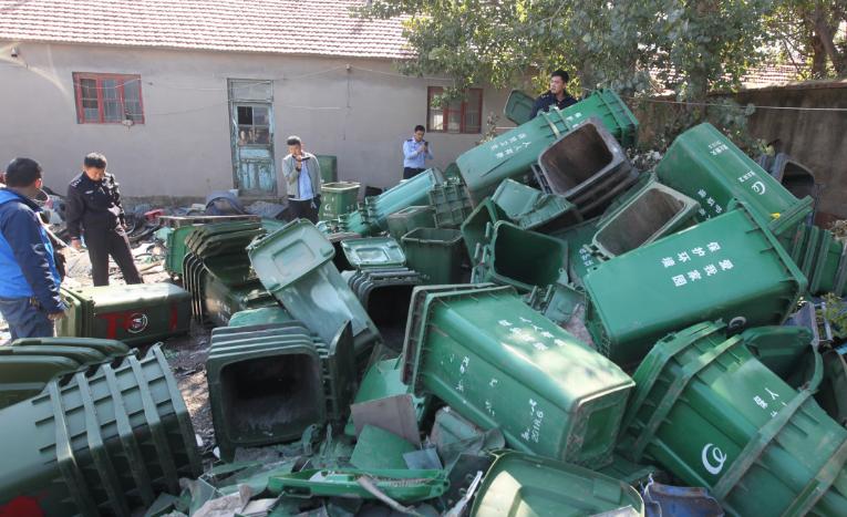 安丘警方抓获一专门盗窃环卫垃圾桶盗贼 两月盗窃近200个垃圾桶