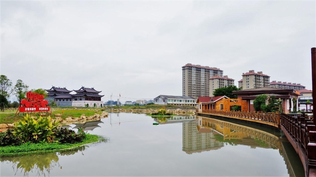 """解码""""温州模式"""":从农民造城到龙港新城"""