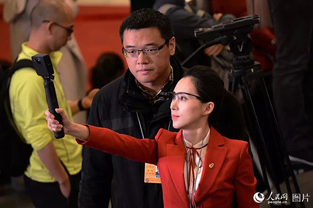 记者节|镜头背后不一样的记者模样