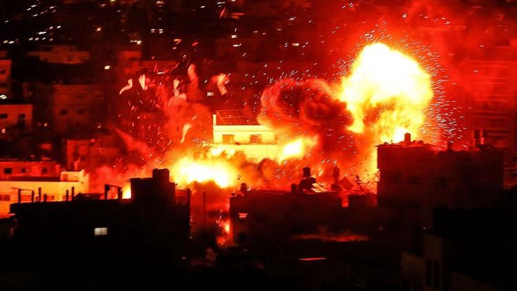 以色列空袭加沙多个目标 阿克萨电视台被击中成火海