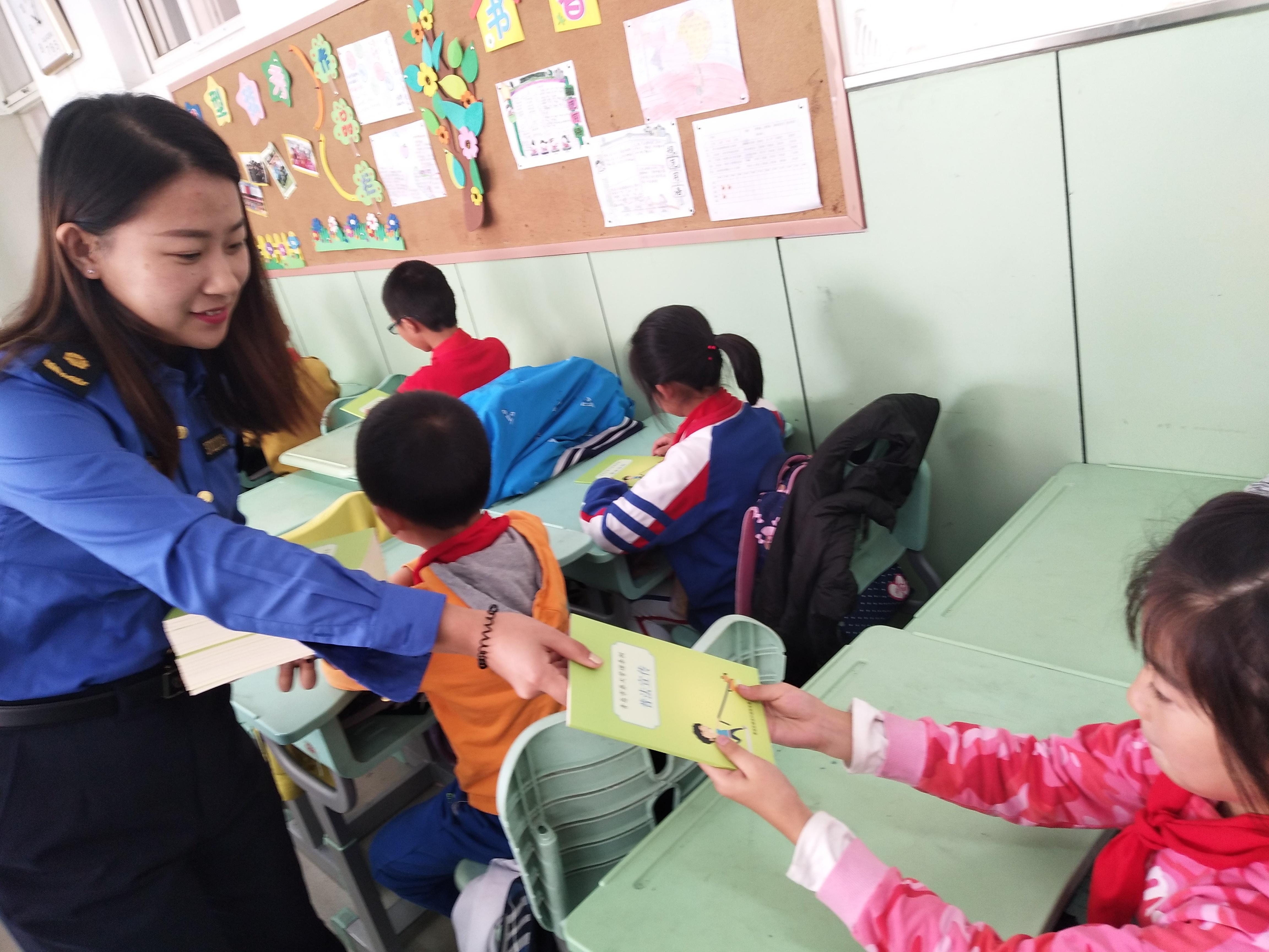 青岛市开展养犬管理专项整治行动 重点整治四类不文明行为