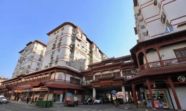 青岛大鲍岛商圈变迁记——从小商品市场到海参一条街