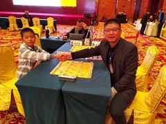 91秒丨上阵父子兵 山东首次!爷俩夺得全国象棋冠军