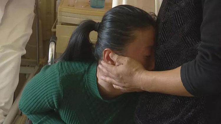 他曾用爱唤醒植物人妻子,如今再遭厄运急需治疗费救女儿
