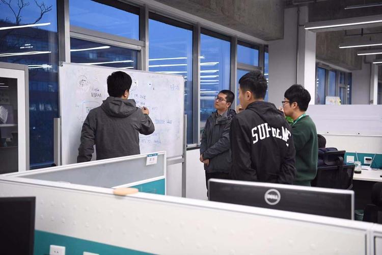 观摩会走进海信研发中心:看这个国际一流项目究竟有多牛