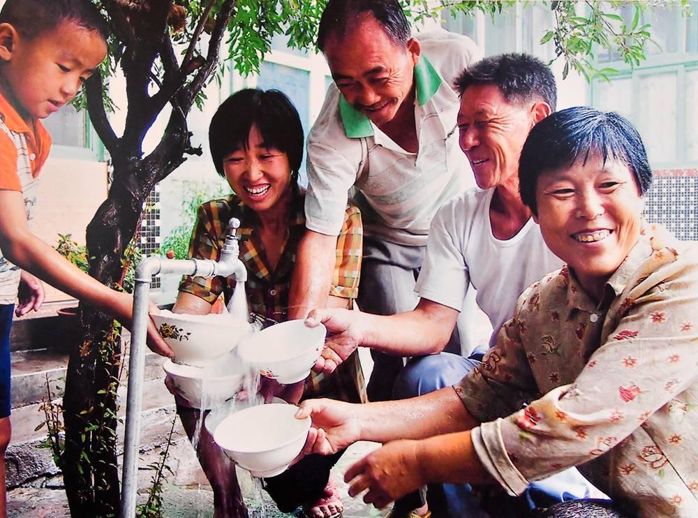 """从喝上水到喝上放心水 """"村村通""""见证山东改革开放40年"""
