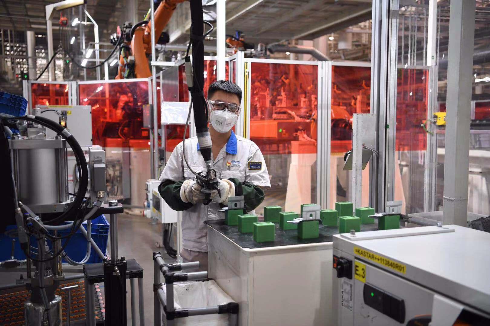 观摩会走进一汽大众华东生产基地: 华东地区自动化程度最高的汽车生产基地