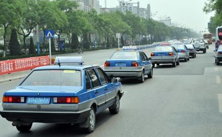 聊城巡游出租车驾驶员有这15种行为,乘客可拨打市长热线投诉