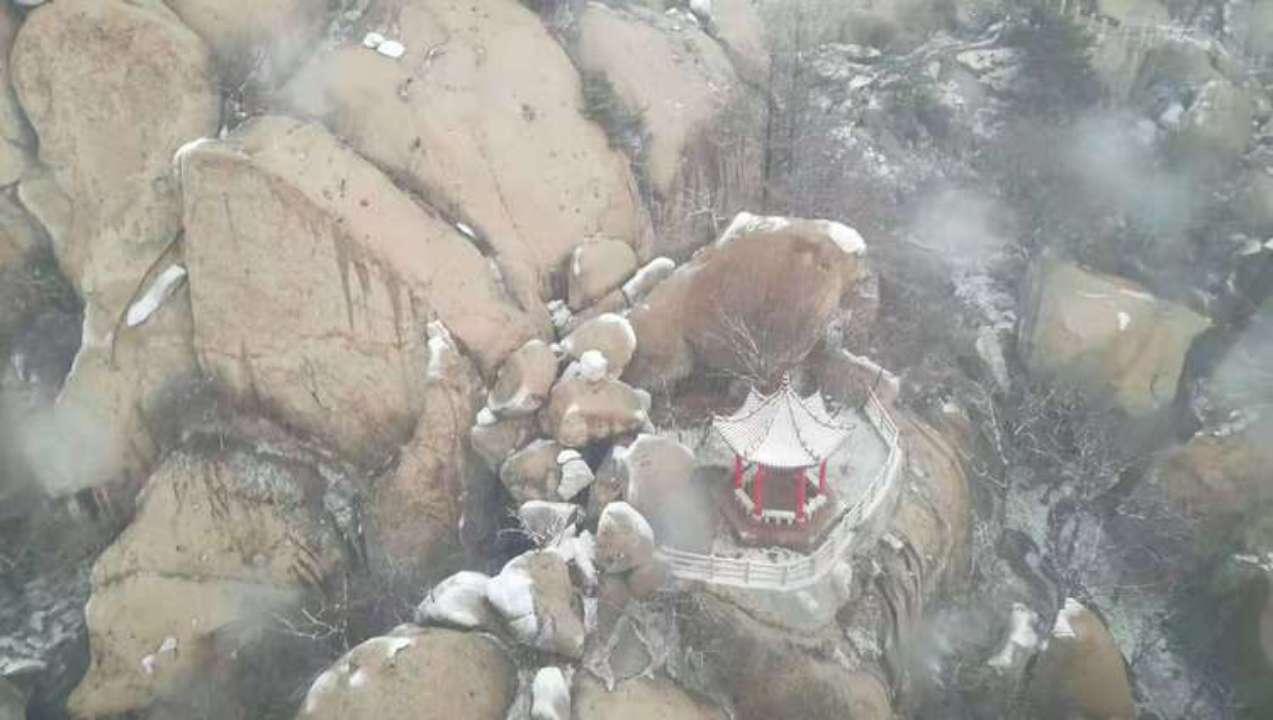 组图:青岛迎来2018首场冬雪 崂山雪景来了