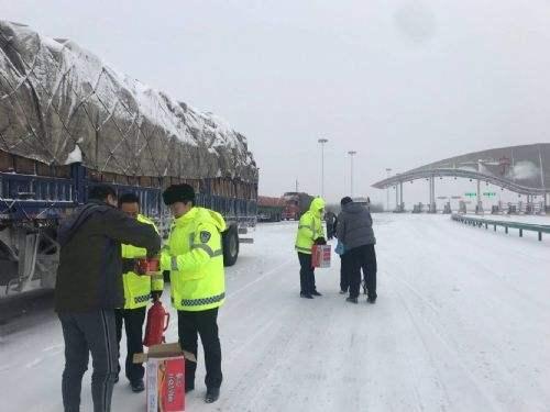 济南公交扎实做好冰雪恶劣天气应急准备工作