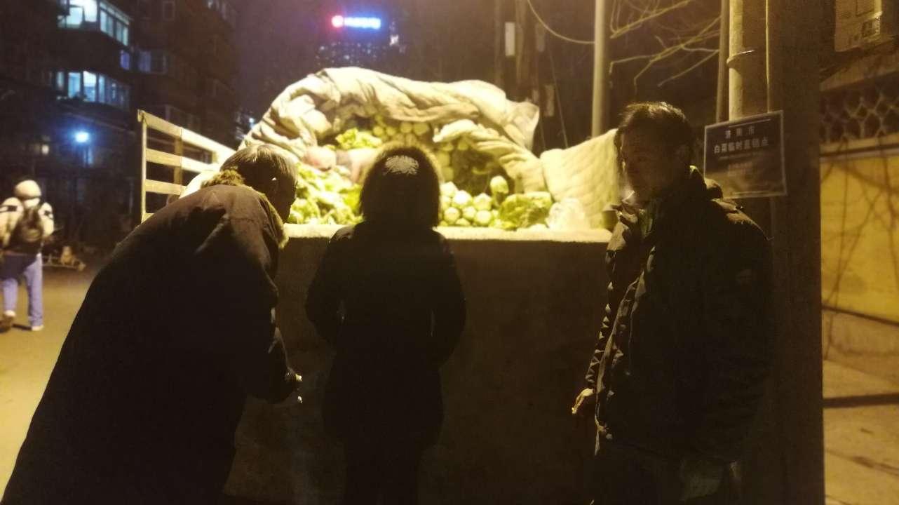 """济南制定""""白菜地图"""":菜农一天卖出八千多斤  有市民回来买两三次"""