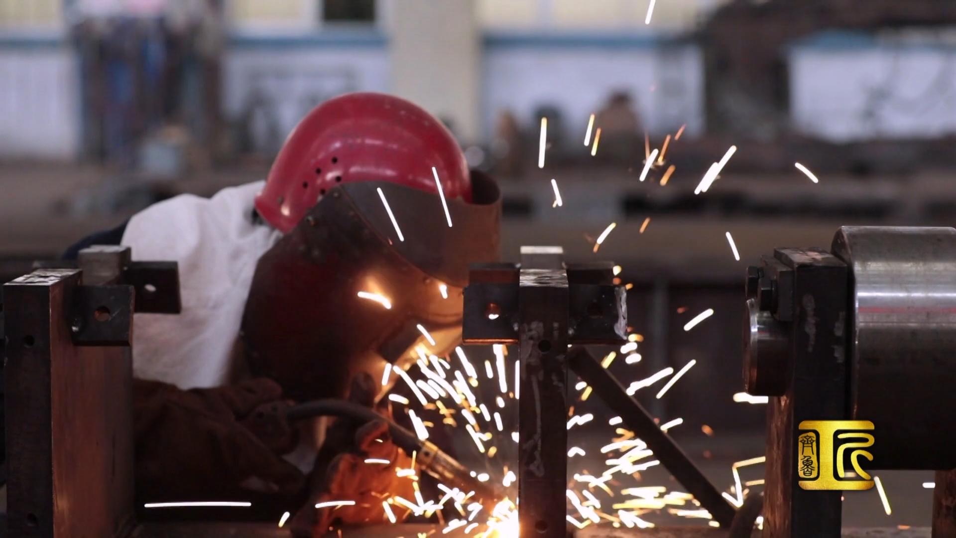 齐鲁大工匠蔺红霞:过关斩将,女焊工用一柄焊枪刷新全国记录