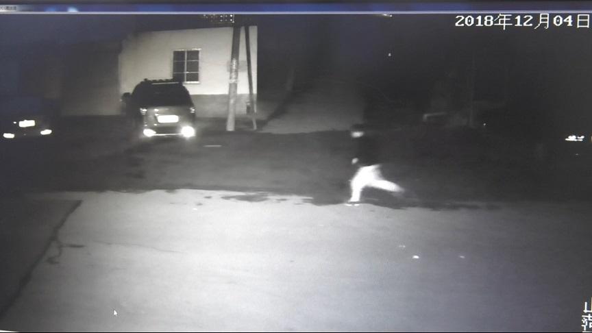 54秒丨喝完白的喝啤的 菏泽男子凌晨酒驾抢劫独行女性被抓