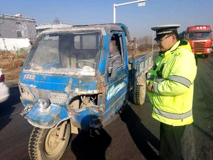 莘县一男子驾驶脱审3年报废车上路 被吊销驾照罚款千元