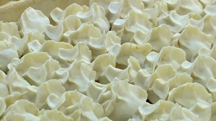 47秒|暖心!临清300名环卫工人吃上冬至爱心水饺