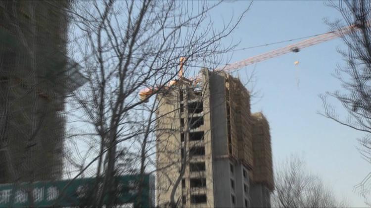 """94秒丨章丘""""胶带楼房""""事件追踪 涉及楼房已开拆重建"""