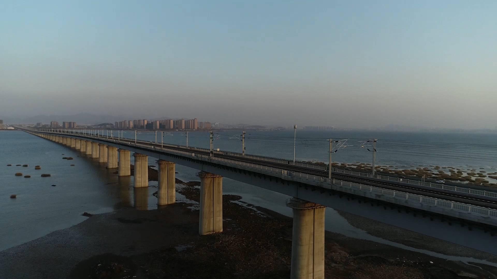 52秒丨视频超震撼! 青盐铁路跨胶州湾特大桥即将投入使用