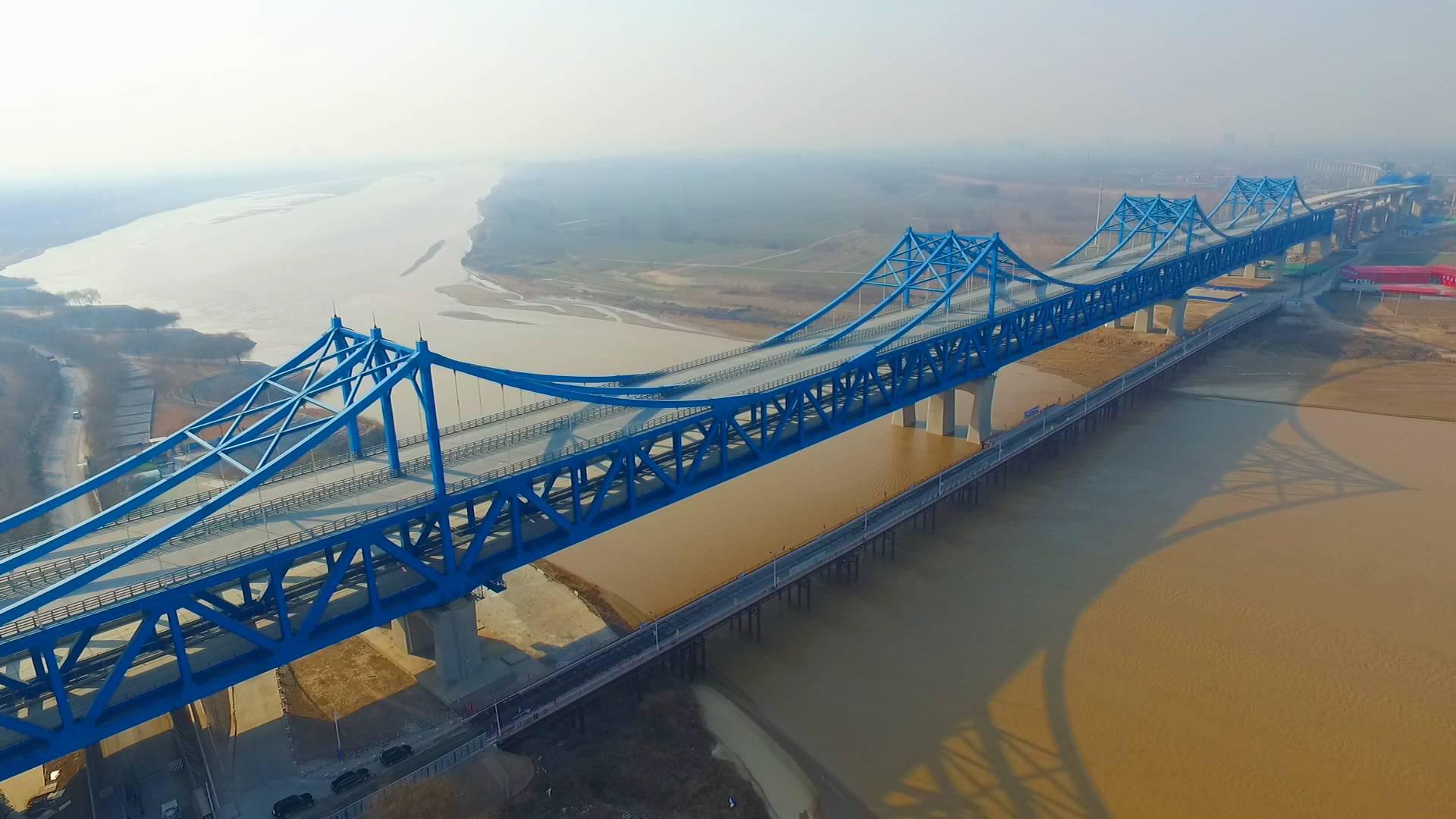 128秒 探秘济齐黄河公铁两用特大桥:桥上电子眼桥下蜘蛛人
